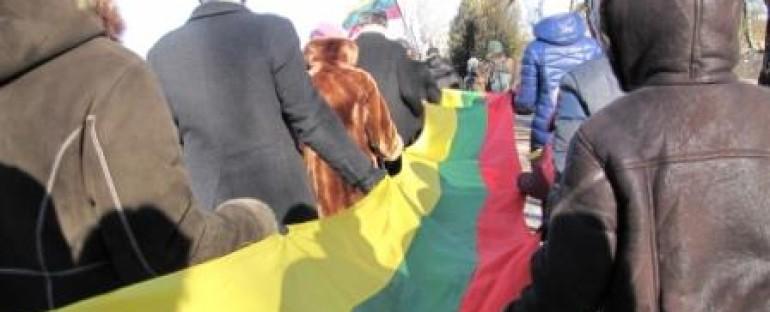 Nešame Lietuvos trispalvę Šiauliuose